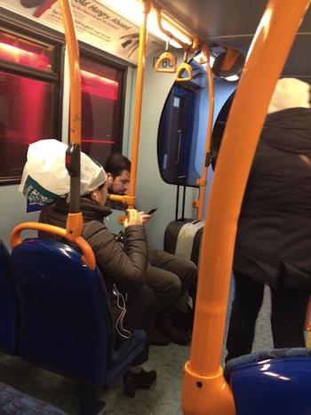 ロンドン人は傘をささないって本当かい?